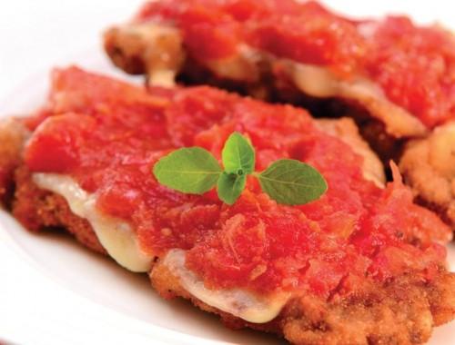 Filé a Parmegiana com Tomate Seco e Mussarela